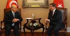 Davutoğlu ve Bahçeli mecliste görüştü