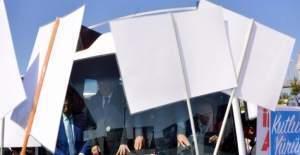Sağlık Bakanı Recep Akdağ, Erzurum'da büyük çoskuyla karşılandı