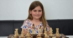 Avusturya'da satranç şampiyonu, Türk kızı Aleyna