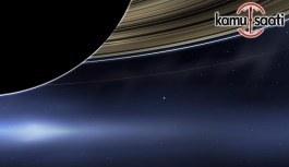 Cassini, son kez geçti