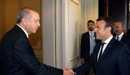 Cumhurbaşkanı Erdoğan'dan Macron'a hediye