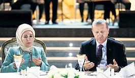Cumhurbaşkanı Erdoğan, şehit ve gazi yakınlarıyla ilk iftarını yaptı