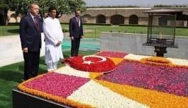 Erdoğan'dan Mahatma Gandhi Anıtı'na ziyaret