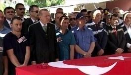 Cumhurbaşkanı Erdoğan, şehit Albay Peker'in cenazesinde