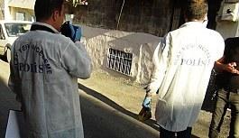 Gaziantep'te polisin baskın yaptığı evden 2 el bombası çıktı