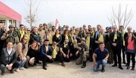 Sanatçılar Mehmetçik'e destek! Suriye sınırında...