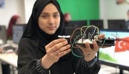 Liseli öğrenciler robotik kodlama ile 'geleceği' tasarlıyorlar