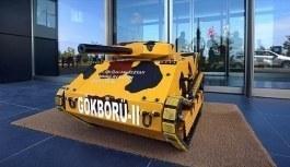 Üniversite öğrencilerinden elektromanyetik fırlatıcılı mini tank