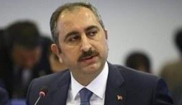 Adalet Bakanı Gül açıkladı! Hayvanlara eziyet gösterenlere hapis cezası gelecek