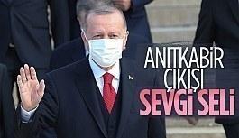 Cumhurbaşkanı Erdoğan'a Anıtkabir'de...