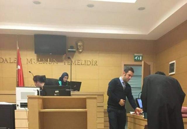Türkiye\'nin ilk başörtülü kadın hakimi duruşmaya çıktı