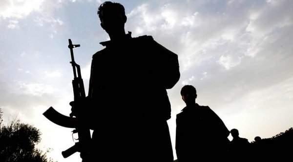 Van'da Terörist Bombası Vatandaşları Vurdu