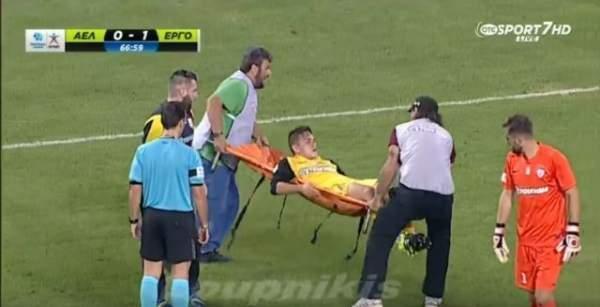 Yunanistan Ligi futbol maçında komik görüntü