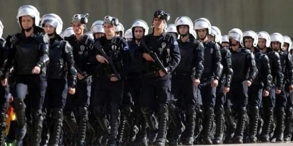 Yüzbinlerce Polis için Kritik Dava AYM'de