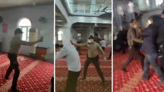 İtikafa girmek isteyen  vatandaşlara cami içinde polisten biber gazlı müdahale